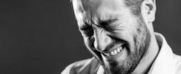 Aide aux conjoints violents: SOS ligne 1-800-ministre Barrette